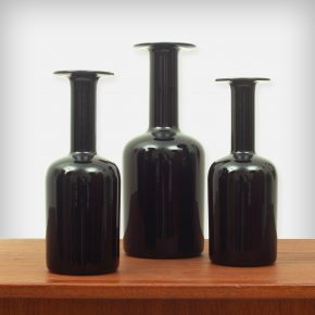 Set Of 3 Black Glass Vases • Model Gulvvase